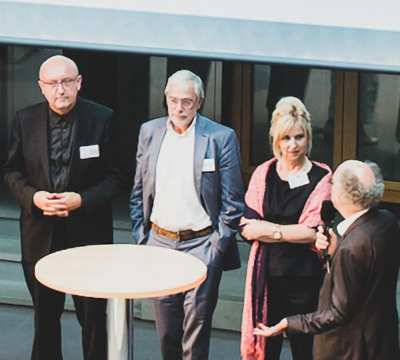 Gerald Hüther, Ulli Weinberg mit Peter Spiegel und Marianne Obermüller.