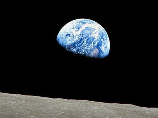 earthrise-pic